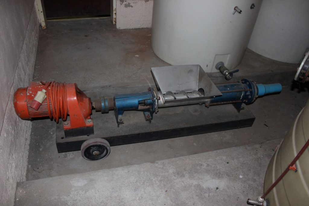 GRAPE-CRUSHER-PUMP